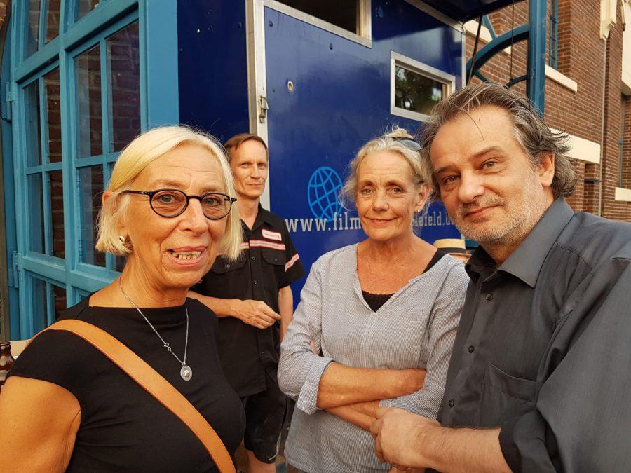 "Anna Fantl (FMS), Christian Duus, Bärbel König-Bargel (Kulturbüro Herne), Christian Vizi (Koproduzent ""Obon"")"