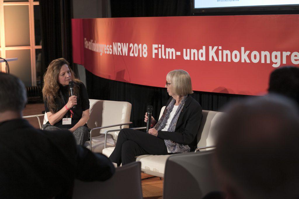 Andrea Burtz im Gespräch mit Marianne Menze © Ralph Sondermann